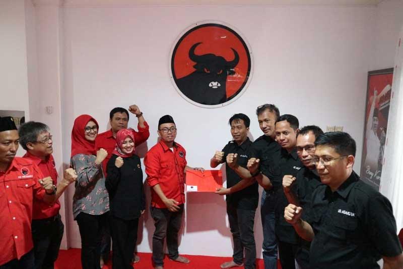 Makin Mantap, UQ Sukriansyah Mendaftar di PDI Perjuangan