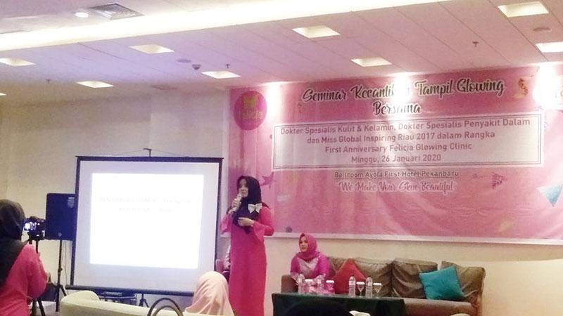 Anniversary Pertama, Felicia Glowing Clinic Gelar Seminar Kecantikan