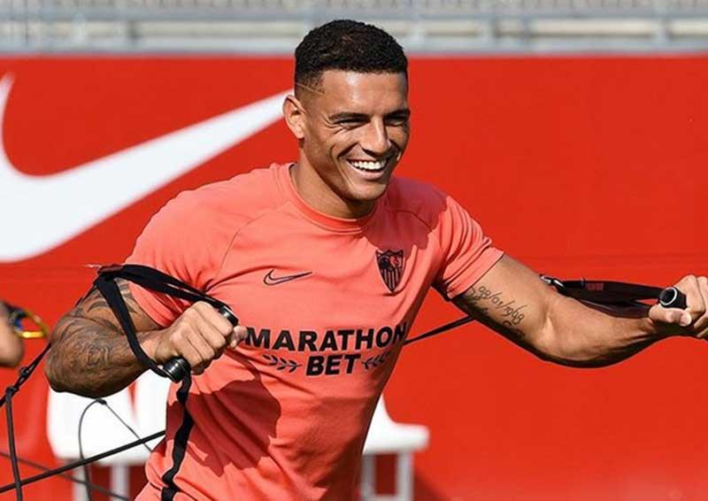 Liverpool Bersaing dengan Real Madrid Incar Bek Sevilla