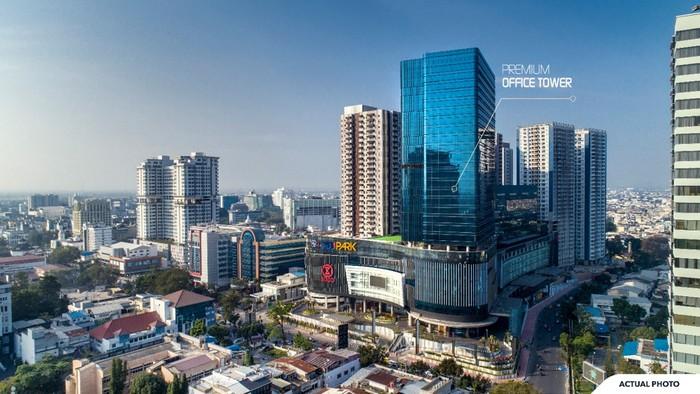 Pertama di Kota Medan, Perkantoran Hak Milik Strata Title, Akses Mal