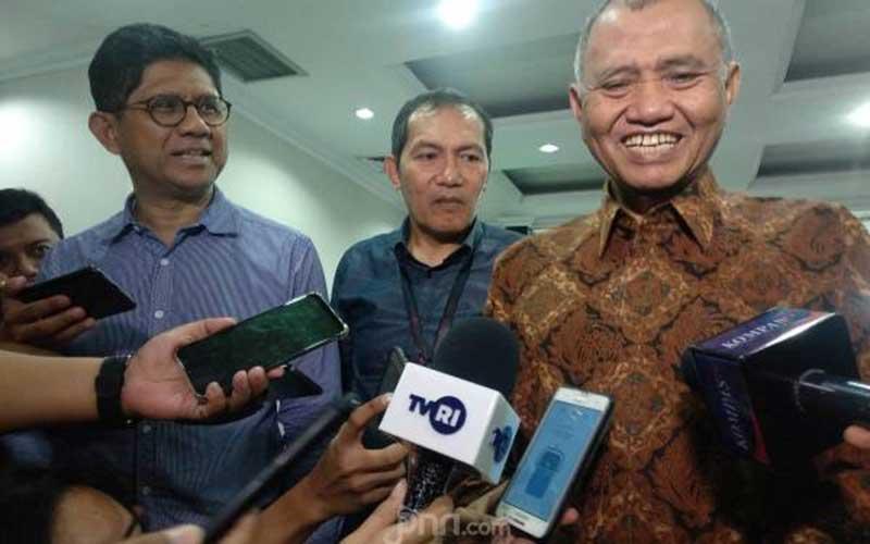 Tiga Bos KPK Menggugat ke MK