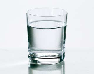 Terlalu Banyak Minum Air Putih Membahayakan Kesehatan?