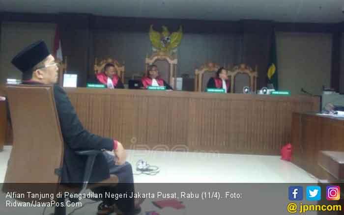 Dieksekusi ke Lapas Sidoarjo, Alfian Tanjung Tetap Terbukti Bersalah