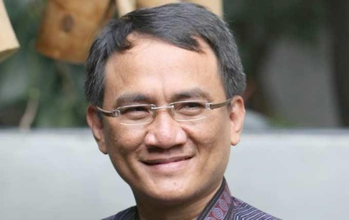 Andi Arief Skeptis Prabowo-Sandi Pasangan Yang Dinanti