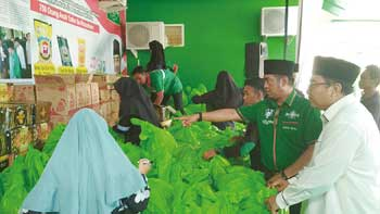 PWNU Riau Bagikan 750 Paket Sembako