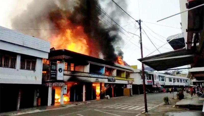 Kawasan Ruko Pasar Talukkuantan Terbakar