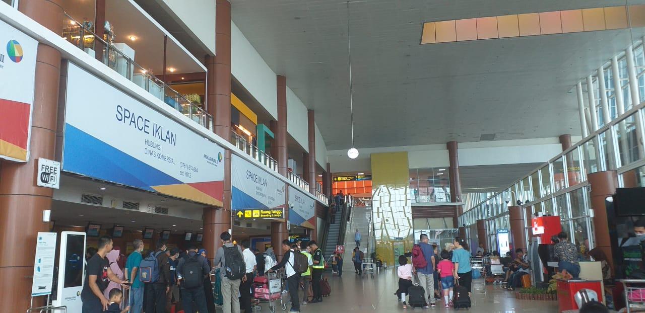 Siang Ini, Jarak Pandang 1 Km, Aktivitas Bandara SSK Normal