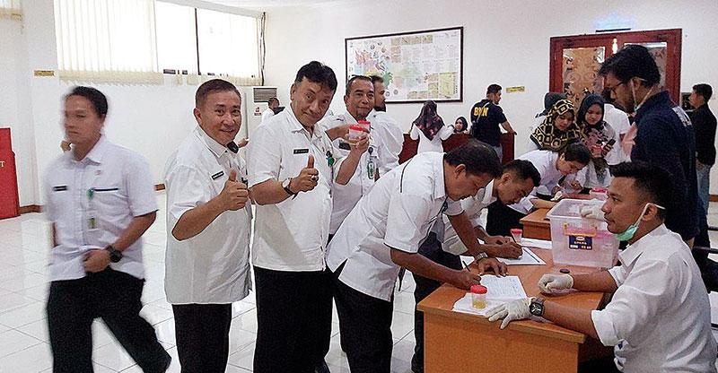 Ratusan ASN Pemprov Riau Kembali Dites Urine