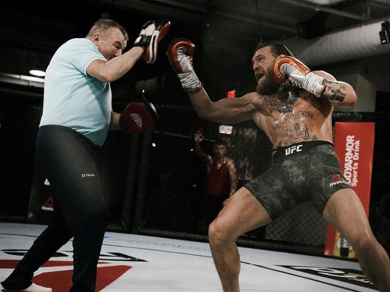 McGregor Dapat Bayaran Tertinggi dalam Sejarah UFC