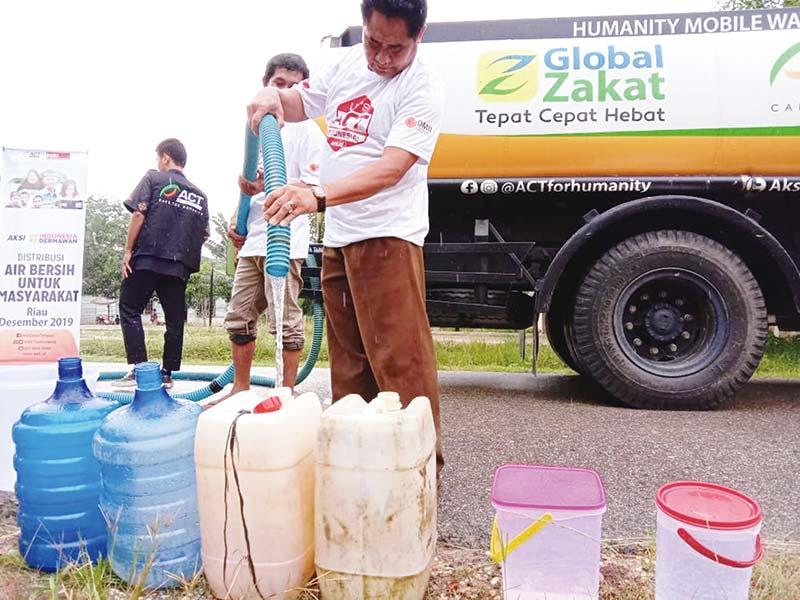 ACT Distribusikan 8.000 Liter Air