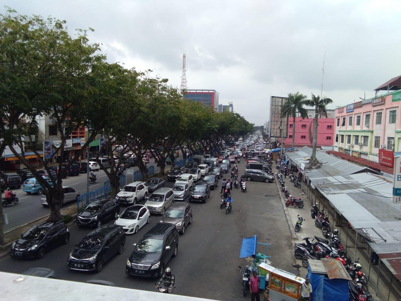 Demo Ratusan Pedagang STC Memanas