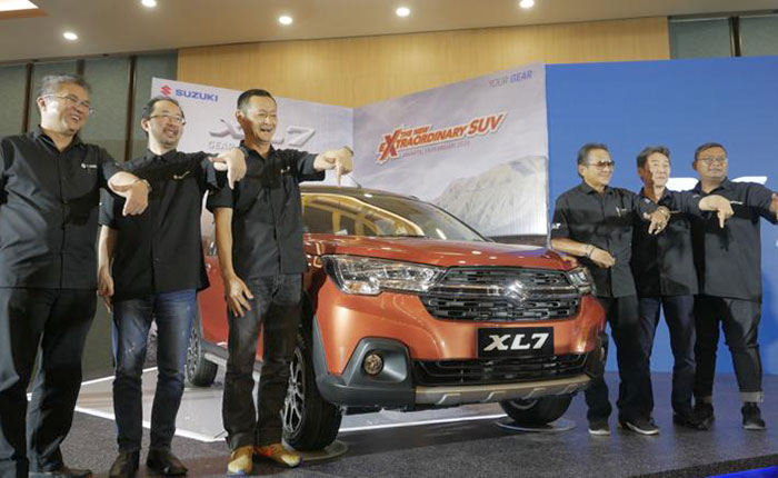 Suzuki Luncurkan SUV XL7 Target Ekspor ke 30 Negara