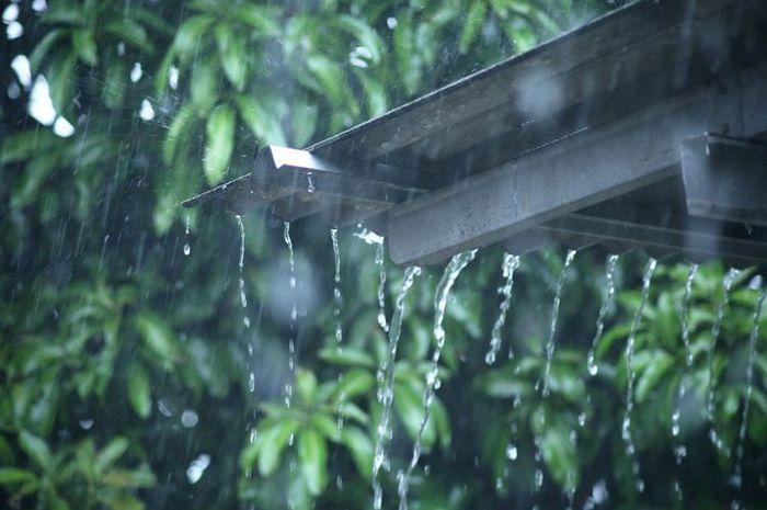 Ilmuwan Kembangkan Energi Baru dari Tetesan Air Hujan