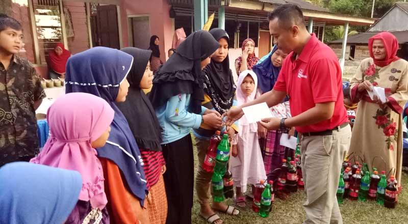 Coca-Cola Berbagi Kebahagiaan Melalui Berbagai Kegiatan Sosial di Bulan Ramadhan