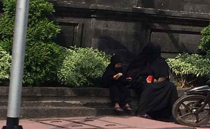 Dua Perempuan Bercadar di Bali Sempat Dicurigai Warga, Ternyata...