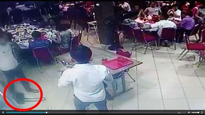 Aksi Pencurian Tas di Restoran Terekam CCTV