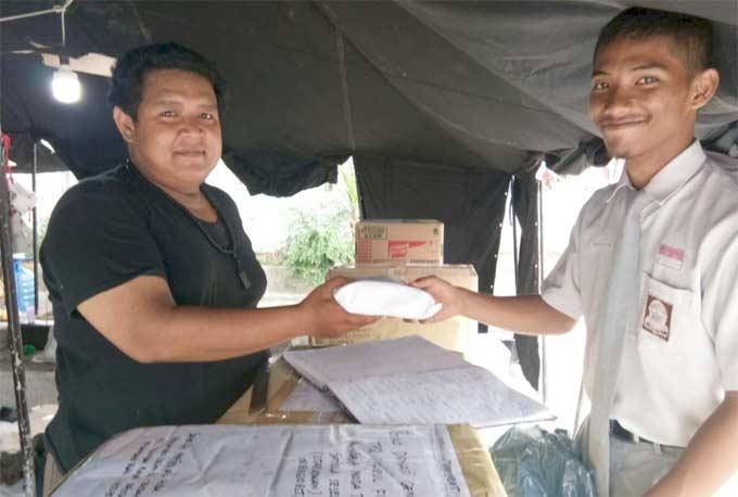 SMAN 4 Pekanbaru Salurkan Bantuan Bencana Gempa Lombok