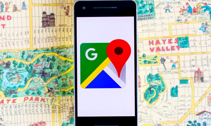 Percaya Google Maps, Seorang Pria Nyasar dan Tercebur ke Sungai