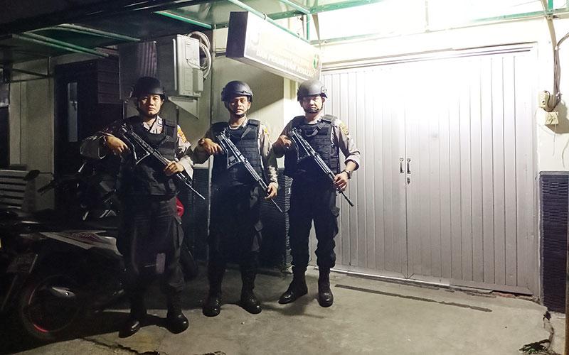 Polisi Jaga Ketat di RS Bhayangkara Polda Riau
