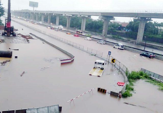 Jakarta Dikepung Banjir, PLN Hentikan Operasi di 955 Gardu