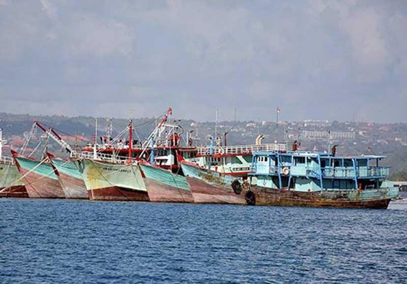Penuhi Laut Natuna dengan Kapal Nelayan Indonesia