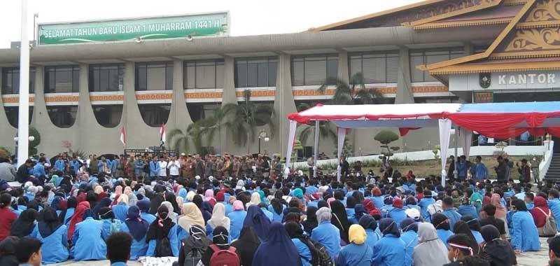 Wagubri Temui Pengunjuk Rasa, Mahasiswa UIN Mengadu soal Rektor