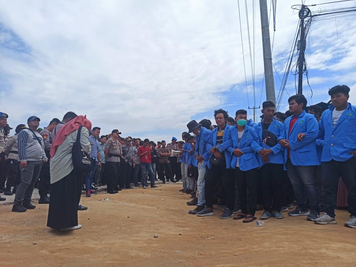 Sekuriti UIN Larang Wartawan Liput Aksi Demo Mahasiswa