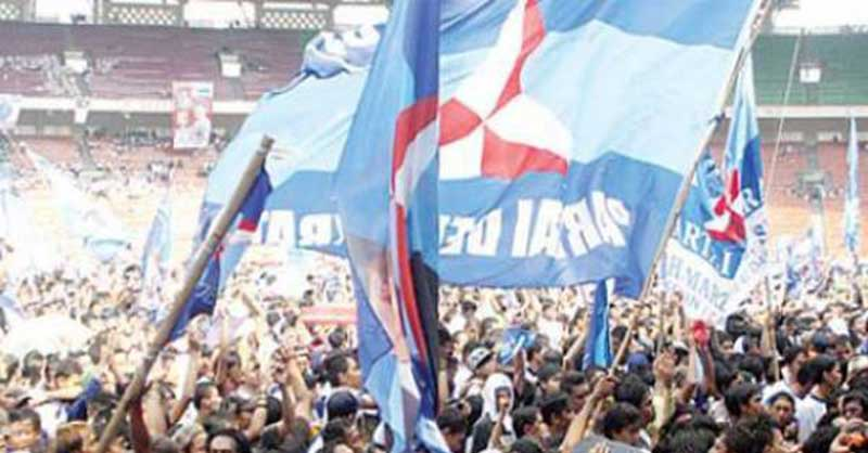 Adu Mulut Dugaan Pemukulan, Unjuk Rasa Pelantikan DPRD Kuansing Ricuh