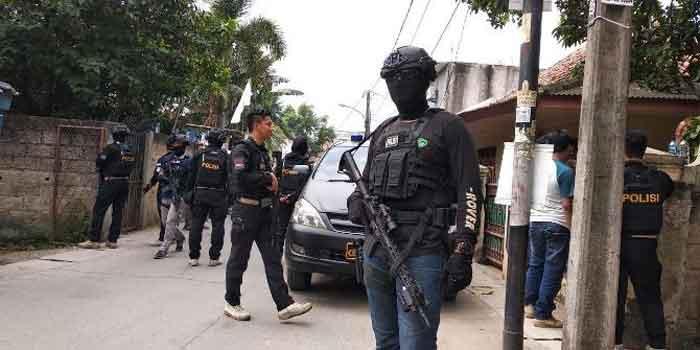Satu Terduga Teroris Perempuan Diringkus Densus 88 di Tangerang