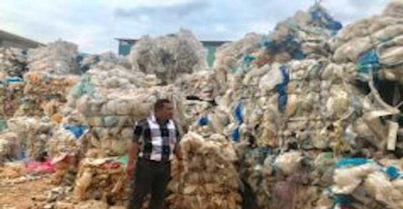 KLHK Kirim Balik 883 Kontainer Sampah Plastik Impor ke Negara Asal