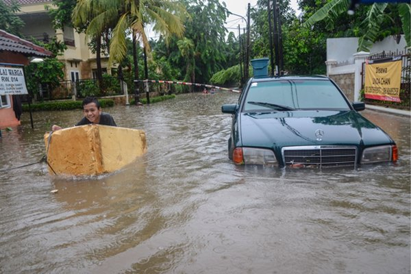 16 Orang Tewas Akibat Banjir Jabodetabek