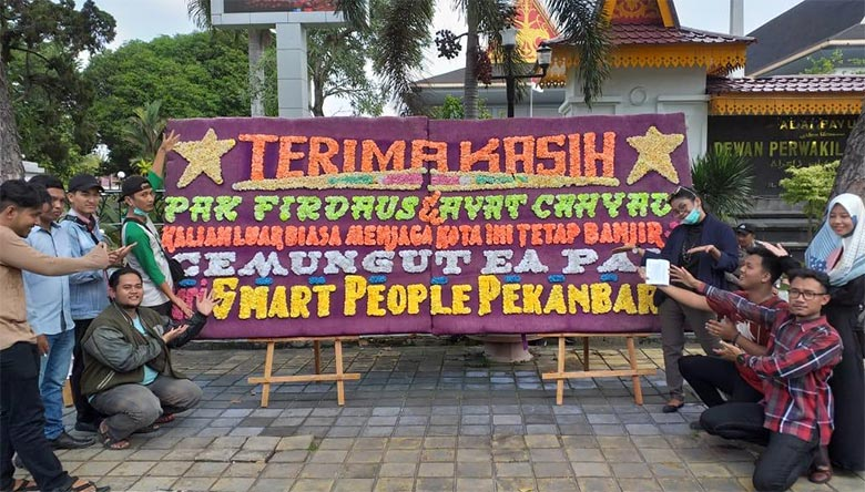 Smart People Pekanbaru: Cemungut Ea, Pak...