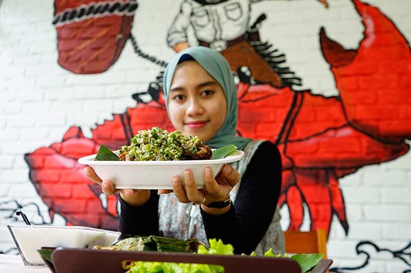 Suguhan Menu Nusantara Lengkap di Crab and Cow