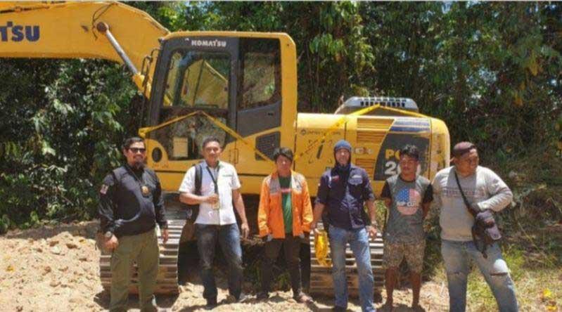 Tidak Kantongi Izin, Balai Gakkum Sulawesi Amankan 2 Unit Excavator