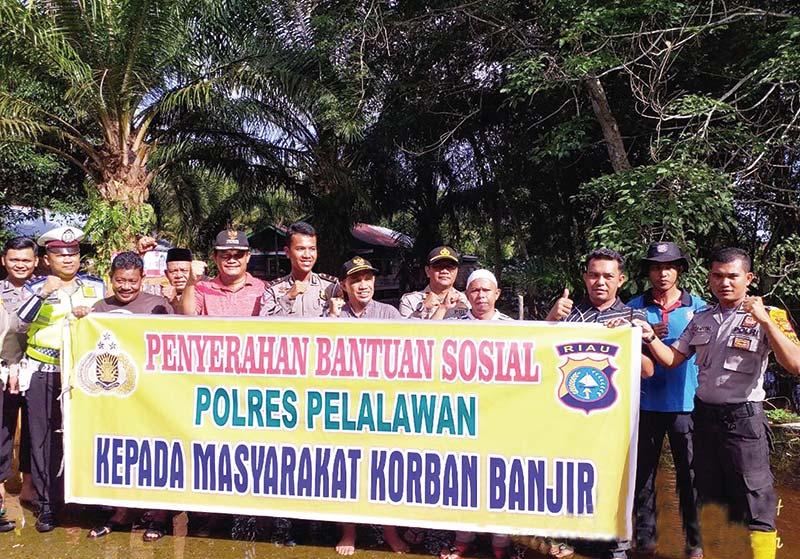 Polres Distribusikan Bantuan Korban Banjir