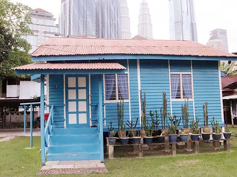 Turis Menyebutnya Kampung Paling Indah