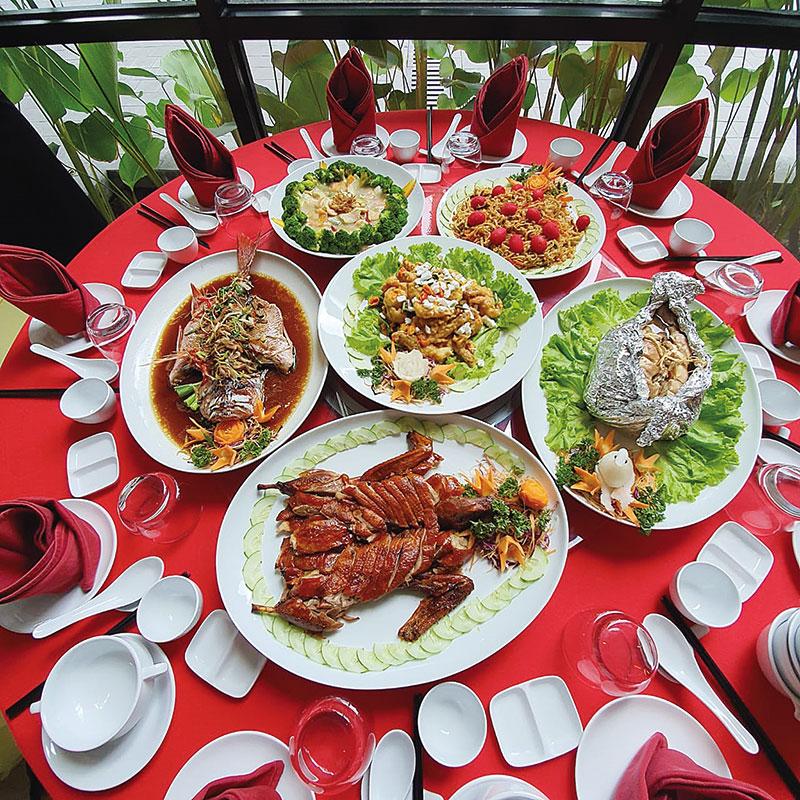 The Zuri Hotel Tawarkan Paket Sa Cap Meh Gala Dinner 2020