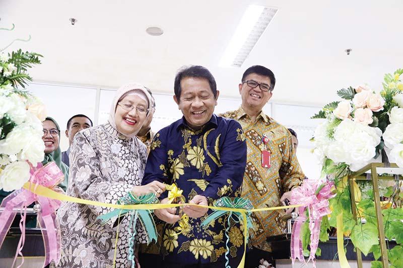 RSUD Arifin Achmad Jadi Rujukan dan Terus Berinovasi