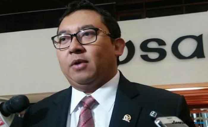 Pedasnya Sindiran Fadli Zon saat Jokowi Kembali Bagikan Sembako