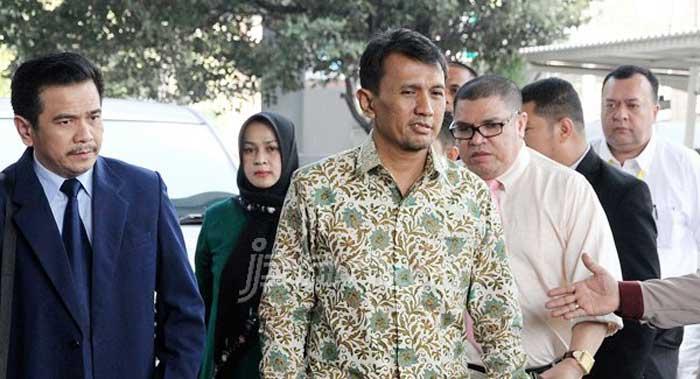 Mantan Gubernur Sumut Gatot Pujo Bungkam saat Penuhi Panggilan KPK