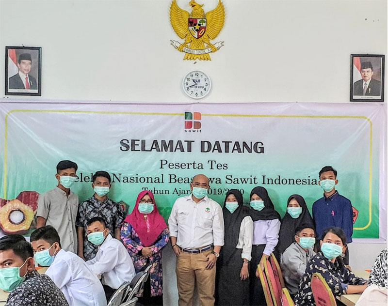 Petani Sawit Menuju Kesetaraan Melalui Beasiswa Ekspor Kelapa Sawit