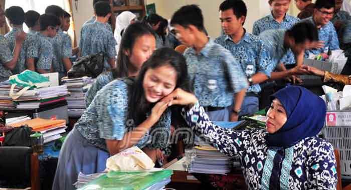 Dirjen Kemendikbud Heran Soal HOTS Dikeluhkan Para Guru