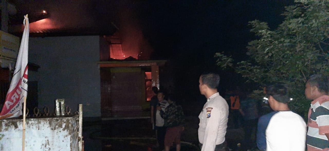 Kantor DPC Hanura Inhu Ludes Terbakar