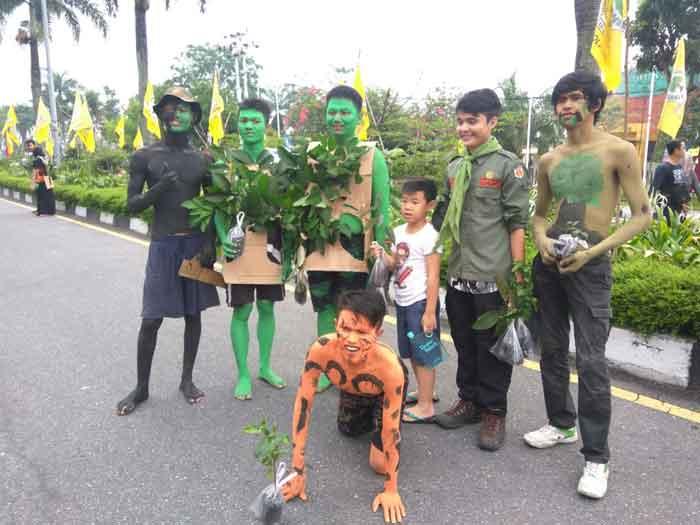 Orasi dan Aksi Teatrikal Mapala Warnai Peringatan Hari Bumi 2018