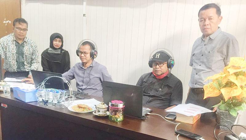 Meski Daring, Peserta Kelas Menulis Balai Bahasa Riau Tetap Antusias