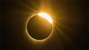 Gerhana Matahari Cincin Bakal Terlihat di Siak