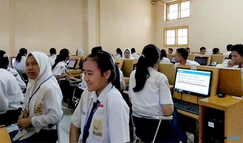 15 SMP Negeri  Masih UN Manual