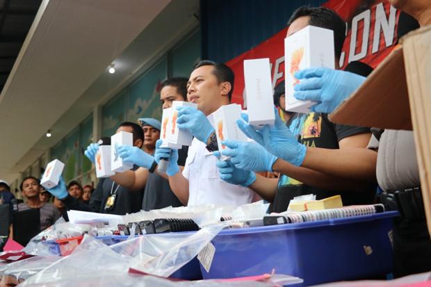 Polisi Bongkar Pabrik iPhone Rekondisi