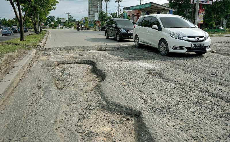 35 Persen Jalan Provinsi Rusak Berat
