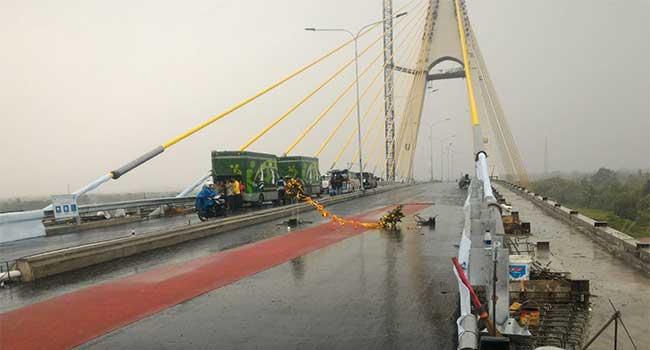 Hujan Deras Iringi Peresmian Jembatan Marhum Bukit